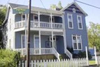 blue-house-in-nashville