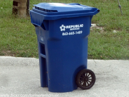 large-recycling-bin
