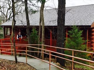 Big Cedar cabin and Mike