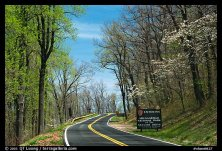 Skyline drive with Park entrance sign. Shenandoah National Park, Virginia, USA.